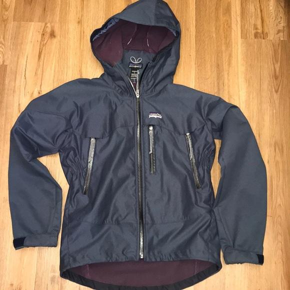 Patagonia Jackets & Blazers - Patagonia hosed rain / windbreaker Jacket s
